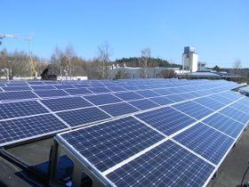 Start der Umsetzung und Bau der ersten PV-Anlage